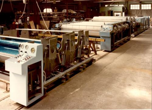 Strijkmachines in opbouw